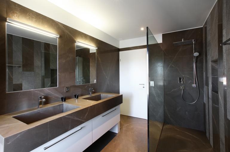 Du marbre pour la cuisine et la salle de bains espaces contemporains - Robinet bulthaup ...
