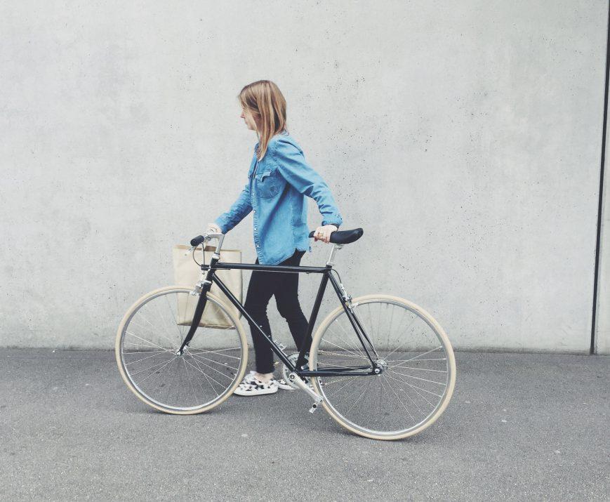 Weisswangenkauz. Le vélo suisse au look retro