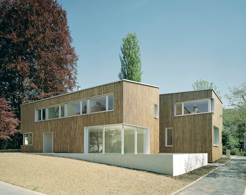 Construire une maison en bois espaces contemporains - Maison campagne suisse fovea architects ...