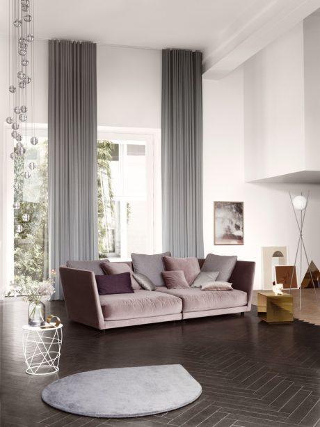 quand les velours resplendissent sur les fauteuils et les canap s de salon. Black Bedroom Furniture Sets. Home Design Ideas