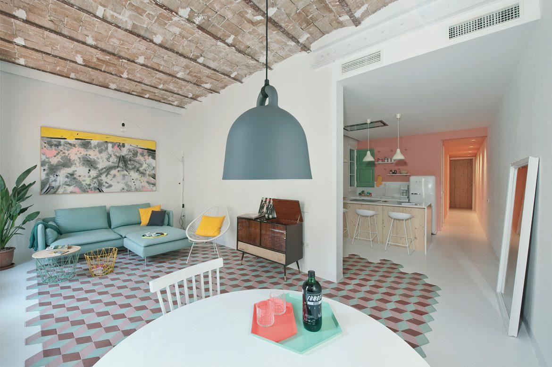 Vintage. Cette atmosphère intègre avec subtilité et fraîcheur des éléments d'hier dans un intérieur bien d'aujourd'hui. Réalisation Casa Colombo et Serboli Architecture avec Margherita Serboli.