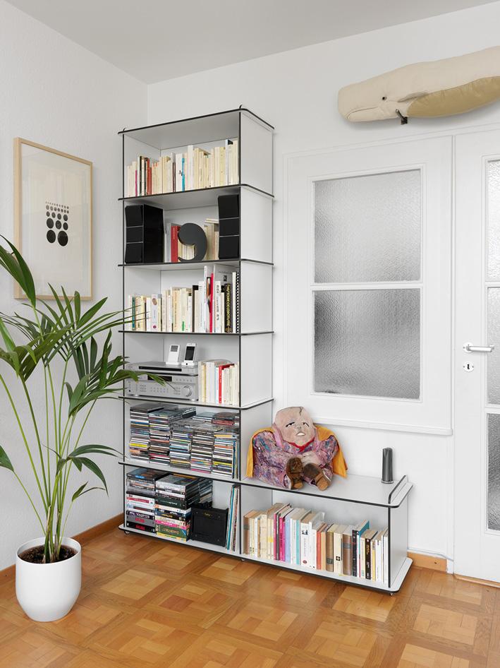 Bibliothèque design suisse. 36 Furniture System.