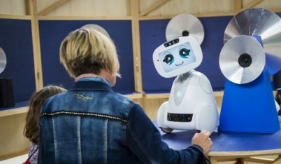 BUDDY de BLUE FROG - Robot compagnon ©Nicolas Laverroux - Ville d'Enghien-les-Bains