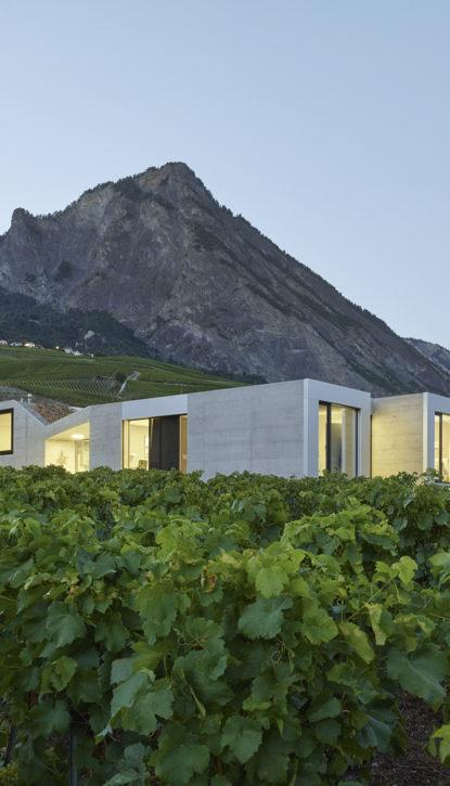 Maison contemporains. Villa moderne. Suisse romande. Valais