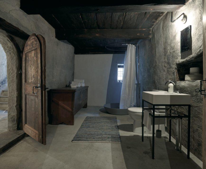 Les plus belles salles de bains de chalet de style néo-rustique en bois ou pierre naturelle
