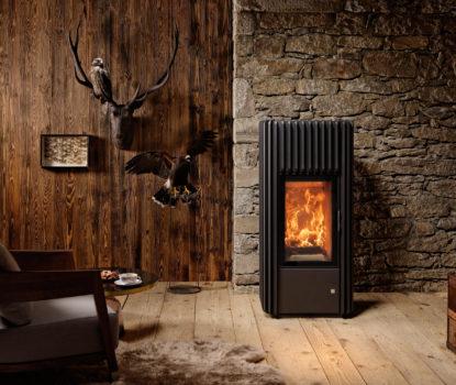 Poêle. Poêles. Innovation technologique dans le chauffage au bois.