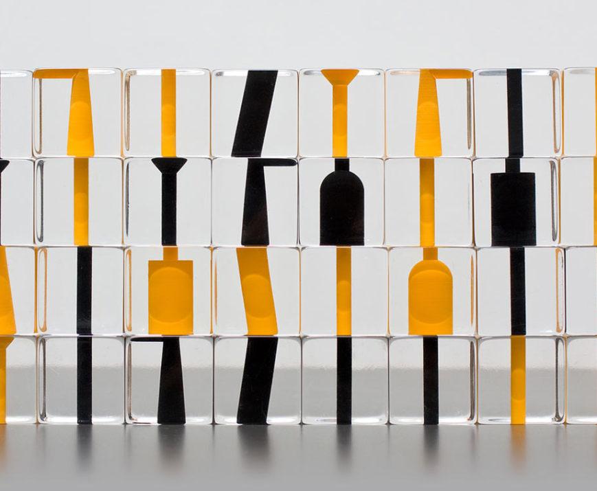 Negative Space Chess, design Stefan Gougherty, Geremia Design.